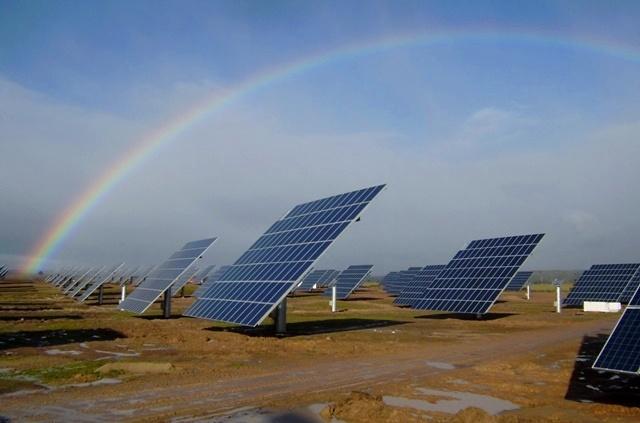 Parque fotovoltaico de Guijo de Coria en la provincia de Cáceres
