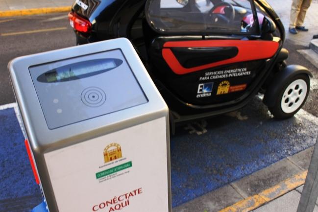 Punto de recarga para coches eléctricos en Mérida.